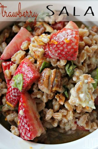 Farro & Strawberry Salad #saladrecipes #farrorecipes