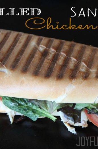 Grilled Chicken Panini Sandwich with Chipotle Mayo, lettuce, tomatoes, and grilled chicken #paninirecipes #chickensandwiches
