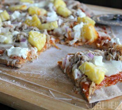 Hawaiian Pizza on the Grill #pizzaonthegrill #hawaiianrecipes