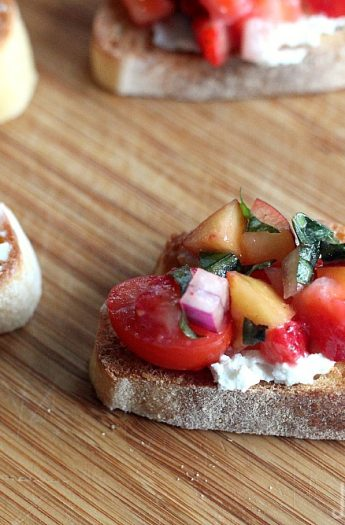 Strawberry Nectarine Bruschetta #healthyappetizer #starter