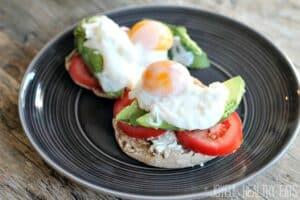 Easy Vegetarian Eggs Benedict Recipe | Best Vegetarian Breakfast Recipe