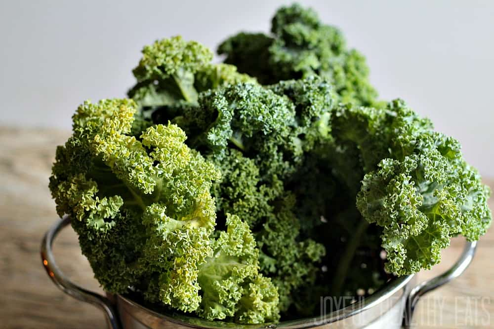 How to Prep Kale #kale #kalerecipes #kalemassage