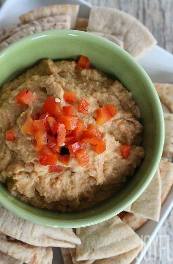 Roasted Red Pepper Hummus #hummus #roastedredpepper #healthyappetizer