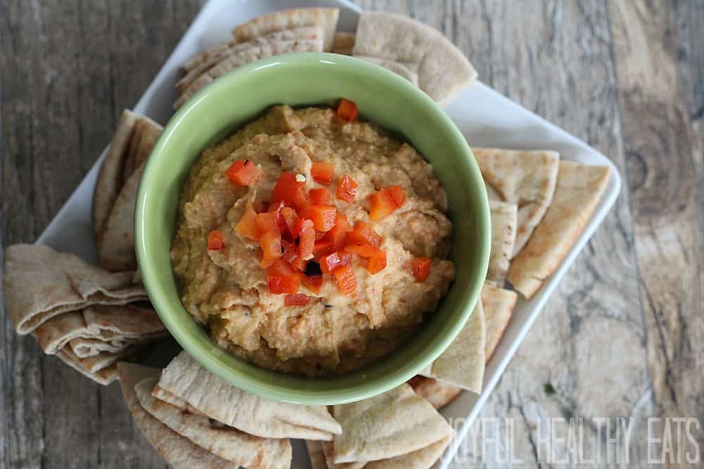 Roasted Red Pepper Hummus #hummus #roastedredpepper #healthyappetizer