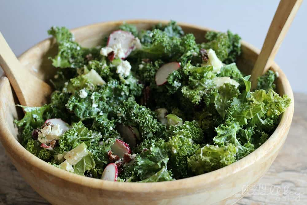 Autumn Kale Salad #kale #kalerecipes #saladrecipes #autumn