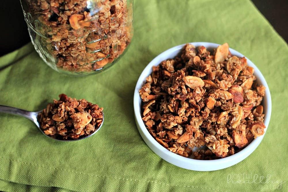 Homemade Almond Vanilla Granola Granola Recipe
