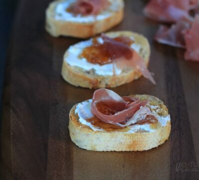 Proscuitto Fig Goat Cheese Crostini #appetizer #holiday #crostini #goatcheese #starter