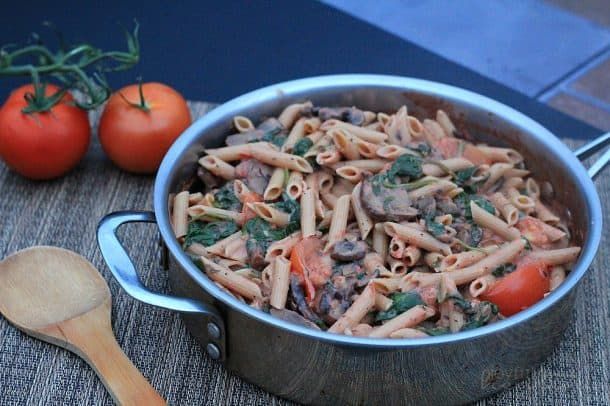 Spinach Mushroom Pasta with Creamy Tomato Sauce 1