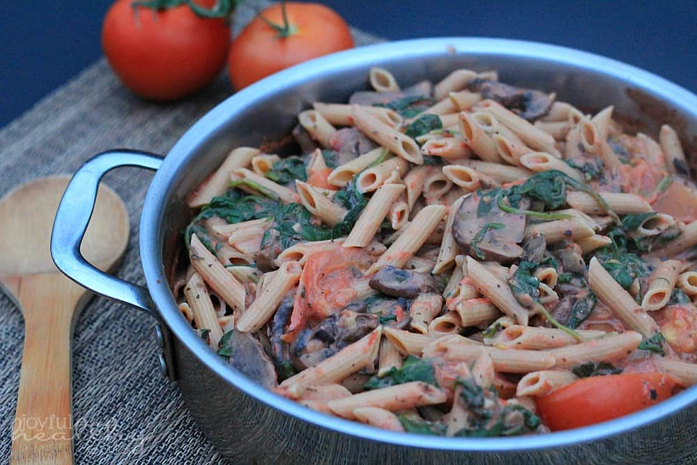 Spinach Mushroom Pasta with Creamy Tomato Sauce #pasta #creamytomato #spinach #mushroom
