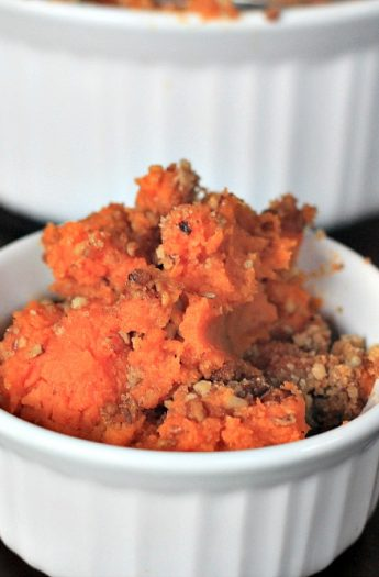 Sweet Potato Casserole with Pecan Streusel #thanksgiving #sidedishes #sweetpotato #casserole