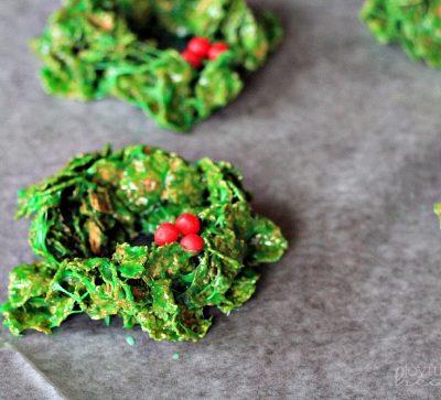Christmas Wreath Cookies #christmas #cookies #recipes #wreaths