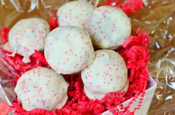 Peppermint-Oreo-Bites-1-from-willcookforsmiles.com-peppermint-oreo-650x429