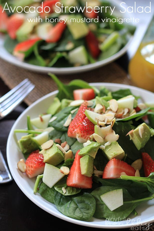Avocado Strawberry Spinach Salad #salad #spinach #cleaneating #paleo #strawberry #avocado