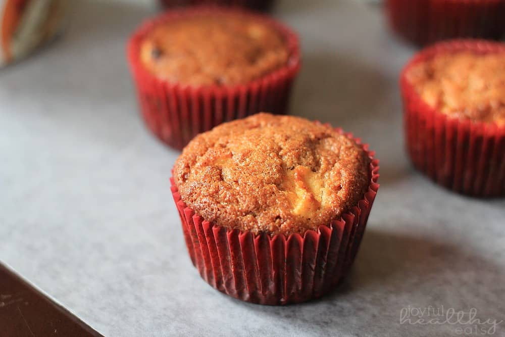 Paleo Apple Cinnamon Muffins #muffins #paleorecipes #nograin #applecinnamon #breakfast
