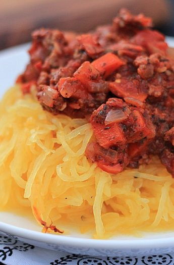 Spaghetti Squash with Bolognese Sauce #Paleo #bolognese #glutenfree # spaghettisquash #meatsauce #maindish