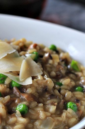 Wild Mushroom Risotto with Peas #risotto #wildmushroom #sweetpeas #pasta #valentinesday #romanticdinner #pastarecipes