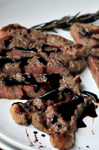 New York Strip Steak with Balsamic Reduction #valentinesday #paleo #glutenfree #steak #balsamicreduction #dinner