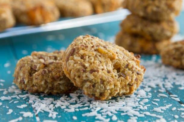 Quinoa-Coconut-Mango-Breakfast-Cookies-7646
