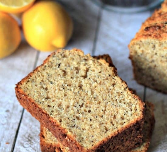 Whole Wheat Lemon Poppyseed Bread with Chia Seeds | www.joyfulhealthyeats.com | #bread #lemon #poppyseed #chiaseeds #breakfast