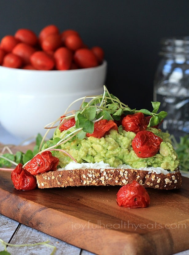 Mashed Avocado Goat Cheese Sandwich with Roasted Cherry Tomatoes #vegetarian #sandwich #recipes #healthy