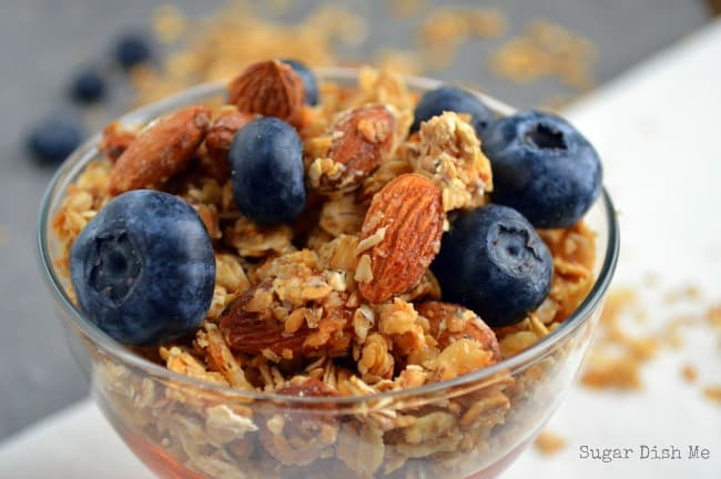 Salted Caramel Almond Granola | www.joyfulhealthyeats.com | #Healthy #Breakfast #Granola #Recipes #SaltedCaramel