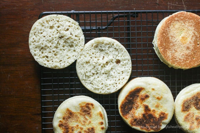 Homemade English Muffins | www.joyfulhealthyeats.com | #breakfast #recipes #bread #englishmuffins