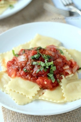 Four Cheese Ravioli with Homemade Marinara Sauce_3