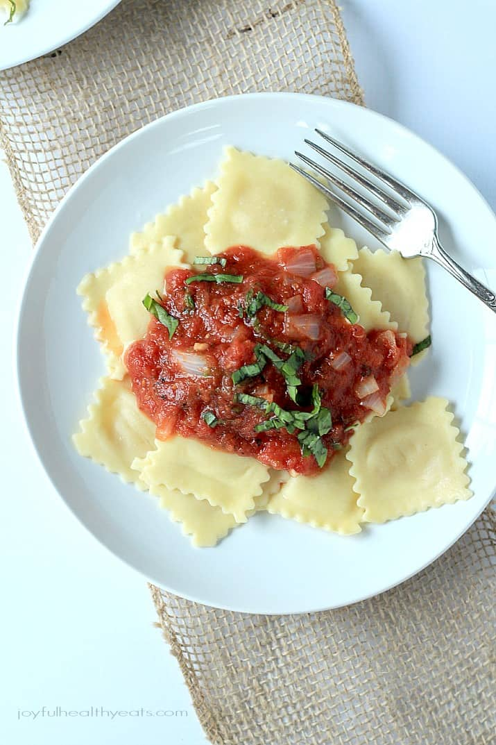 Four Cheese Ravioli with Homemade Marinara Sauce, absolutely delicious and 15 minutes to make! | www.joyfulhealthyeats.com