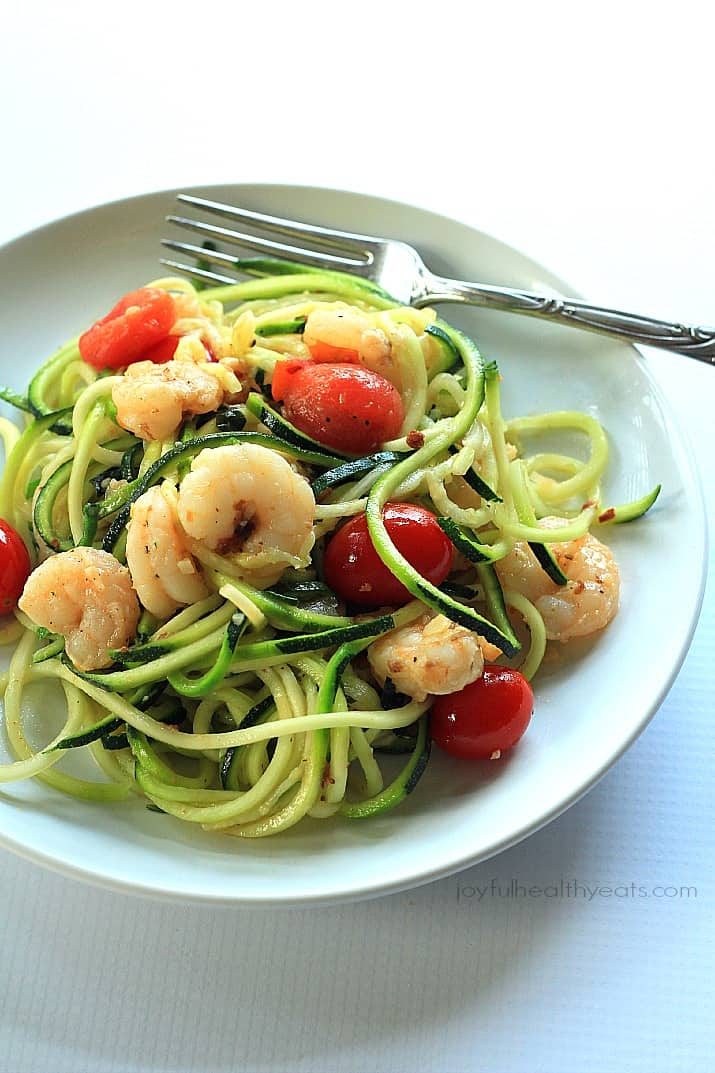 Healthy never tasted so good with this Shrimp Scampi & Zucchini Noodles, made in less than 30 minutes. | www.joyfulhealthyeats.com #paleo #glutenfree