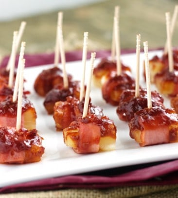 32 Easy Party Appetizers for the Holidays you NEED to try! | www.joyfulhealthyeats.com #newyearseve
