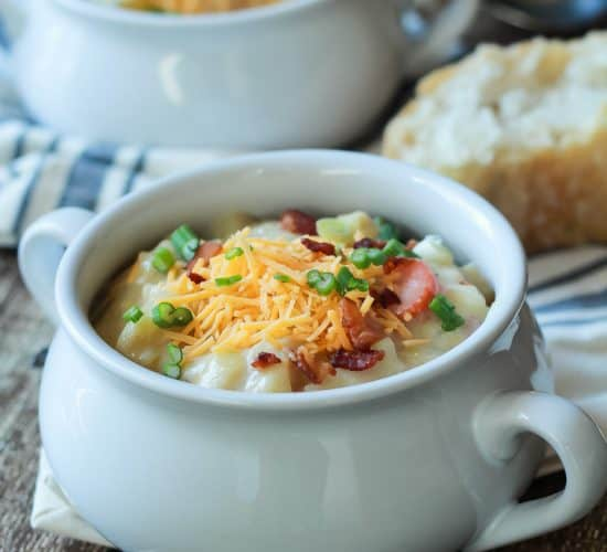 Creamy Potato Leek Soup, the ultimate comfort food soup made healthier with 2% milk, greek yogurt, and extra vegetables. De-lish! | joyfulhealthyeats.com #recipes #glutenfree