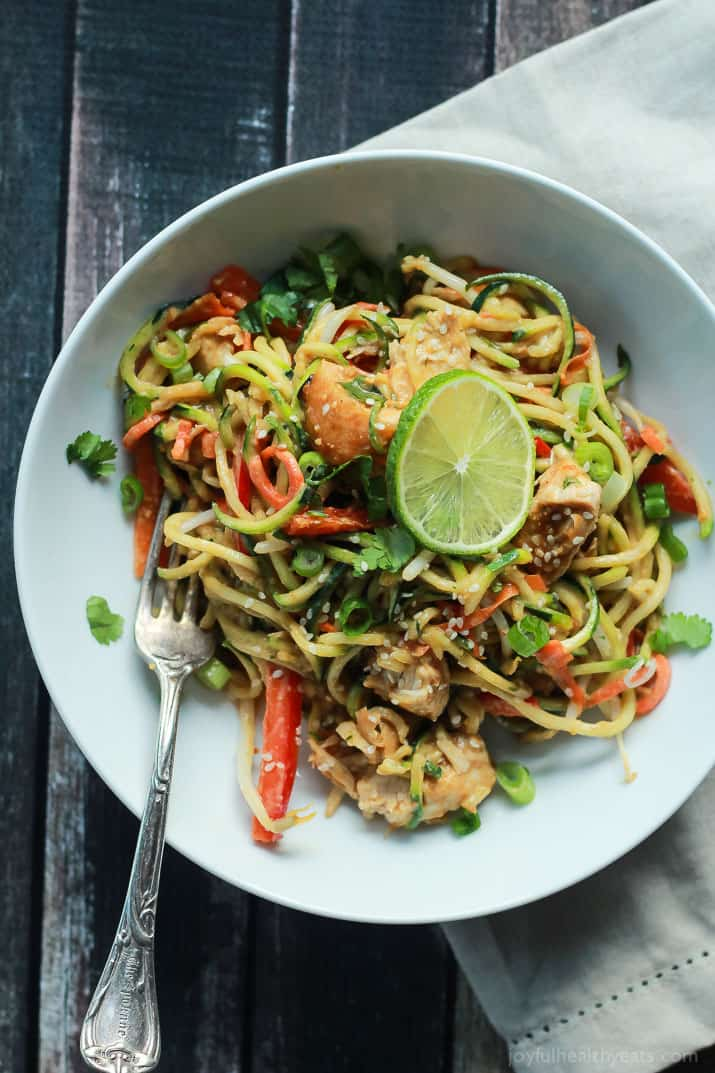 15 minute Thai Chicken Zucchini Noodles recipe with Spicy Peanut Sauce ...