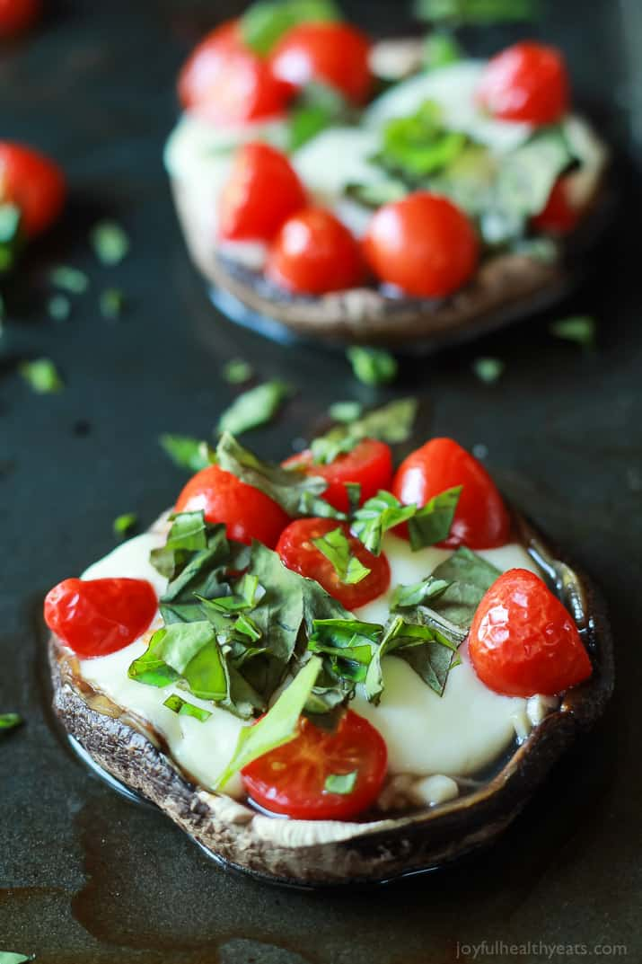 Change up your Friday night pizza night with this Mini Portobello Margherita Pizza - simple, fresh ingredients, and only 15 minutes! | joyfulhealthyeats.com #recipes #glutenfree #vegetarian