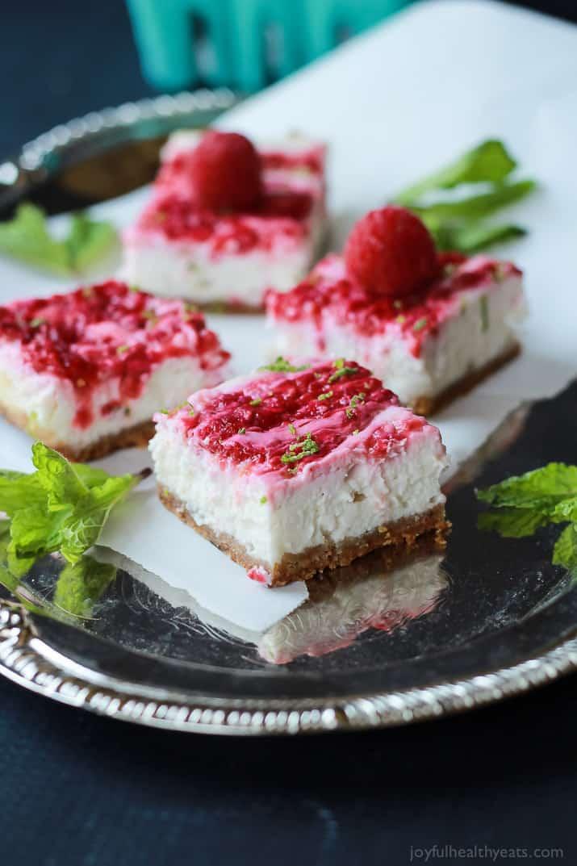 Skinny Raspberry Mojito Cheesecake Bars | Easy Healthy Recipes