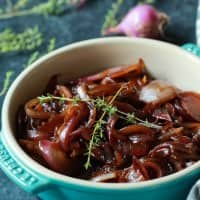 How to make the BEST Balsamic Caramelized Onions using only 5 ingredients, these are mind blowingly good! | joyfulhealthyeats.com #recipes Easy Healthy Recipes