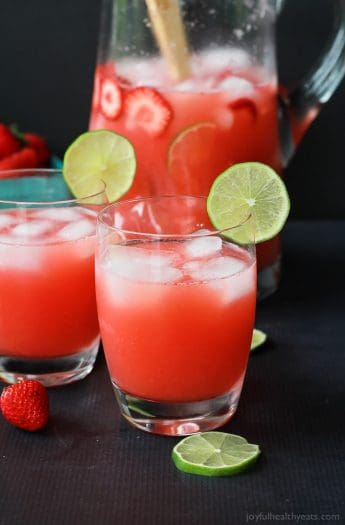 Fresh Strawberry Limeade packed with loads of fresh limes and strawberries then blended to perfection! Sweet, limey, and just what you need to cool you down this summer! | joyfulhealthyeats.com #healthy #lowcalorie Easy Healthy Recipes