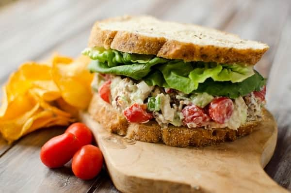 This Light Ranch BLT Chicken Salad Sandwich makes a fantastic light ...