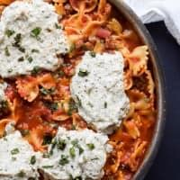 Easy Polka Dot Lasagna Skillet made all in one pot and only 30 minutes! Plus a cookbook review of #expresslanecooking | joyfulhealthyeats.com #recipes