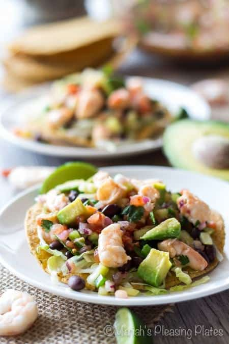 Our Healthy Meal Plan will help you navigate through the next week of meals to make school nights easy and healthy and something your family will absolutely love! Everything you need is in this meal plan, breakfast, lunch, dinner, snack, and desert for the week!   joyfulhealthyeats.com #recipes