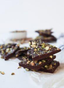 Easy 3-Ingredient Salted Pistachio Chocolate Bark Recipe
