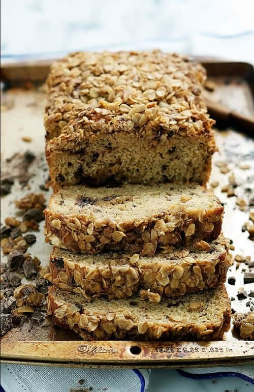 Dark-Chocolate-Chunk-Banana-Bread-with-Brown-Sugar-Oatmeal-Crunch_-6