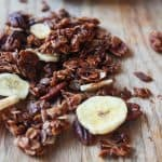 An easy Homemade Banana Bread Granola Recipe that takes 30 minutes to make and full of banana bread flavor! | joyfulhealthyeats.com Easy Healthy Recipes