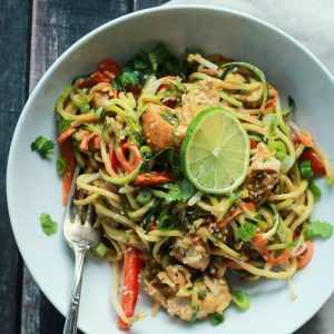 Thai Chicken Zucchini Noodles with Spicy Peanut Sauce-fdgwker