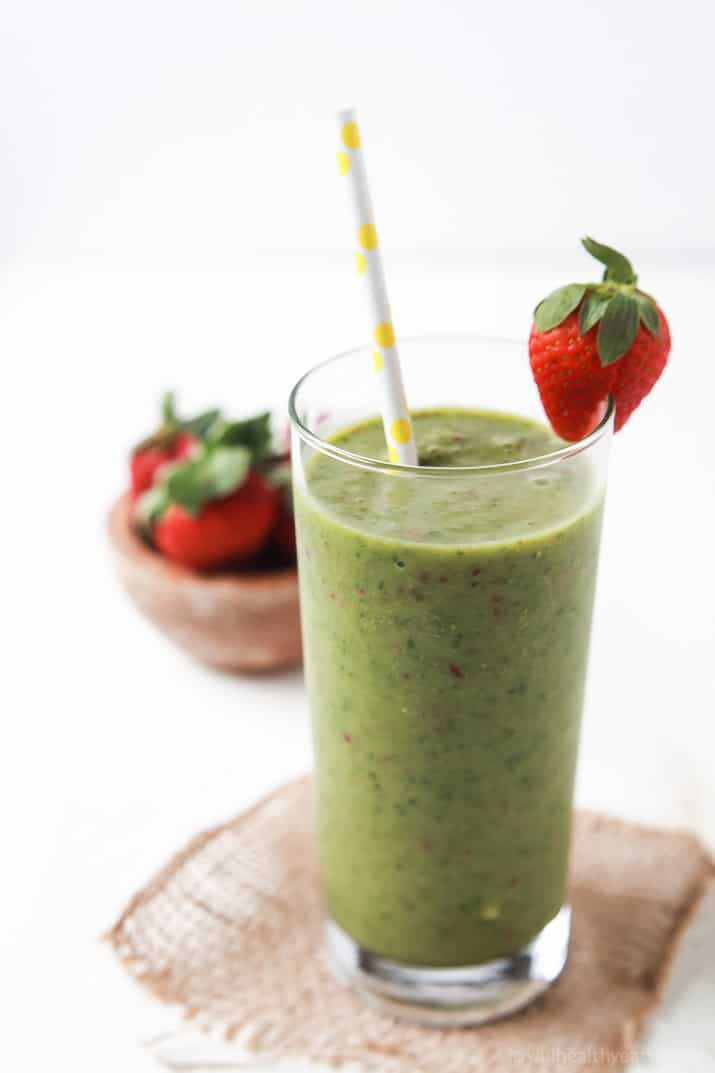An Easy Tropical Green Smoothie that actually tastes GOOD, only has 5 ingredients, is dairy free, nutritious, and an energy booster! The perfect way to start off the New Year! | joyfulhealthyeats.com Easy Healthy Recipes