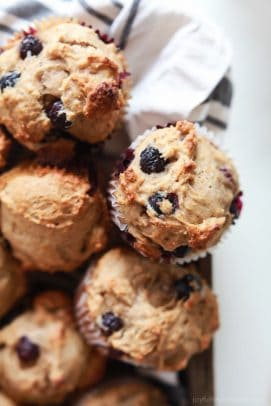 These extremely Moist Lemon Blueberry Muffins are so easy to make, filled with fresh lemon and blueberry flavor, and made with no butter or refined sugar! The BEST muffin ever! | joyfulhealthyeats.com Easy Healthy Recipes
