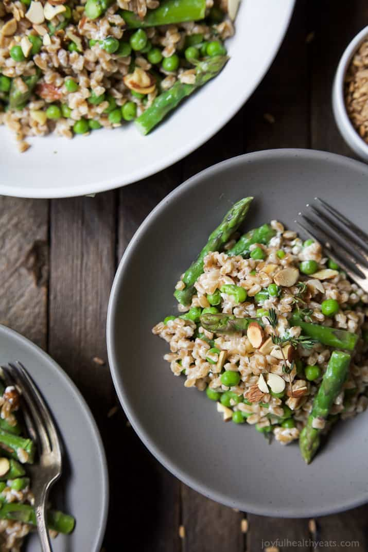 Alright, back to the star of this post! The Creamy Springtime Farro ...