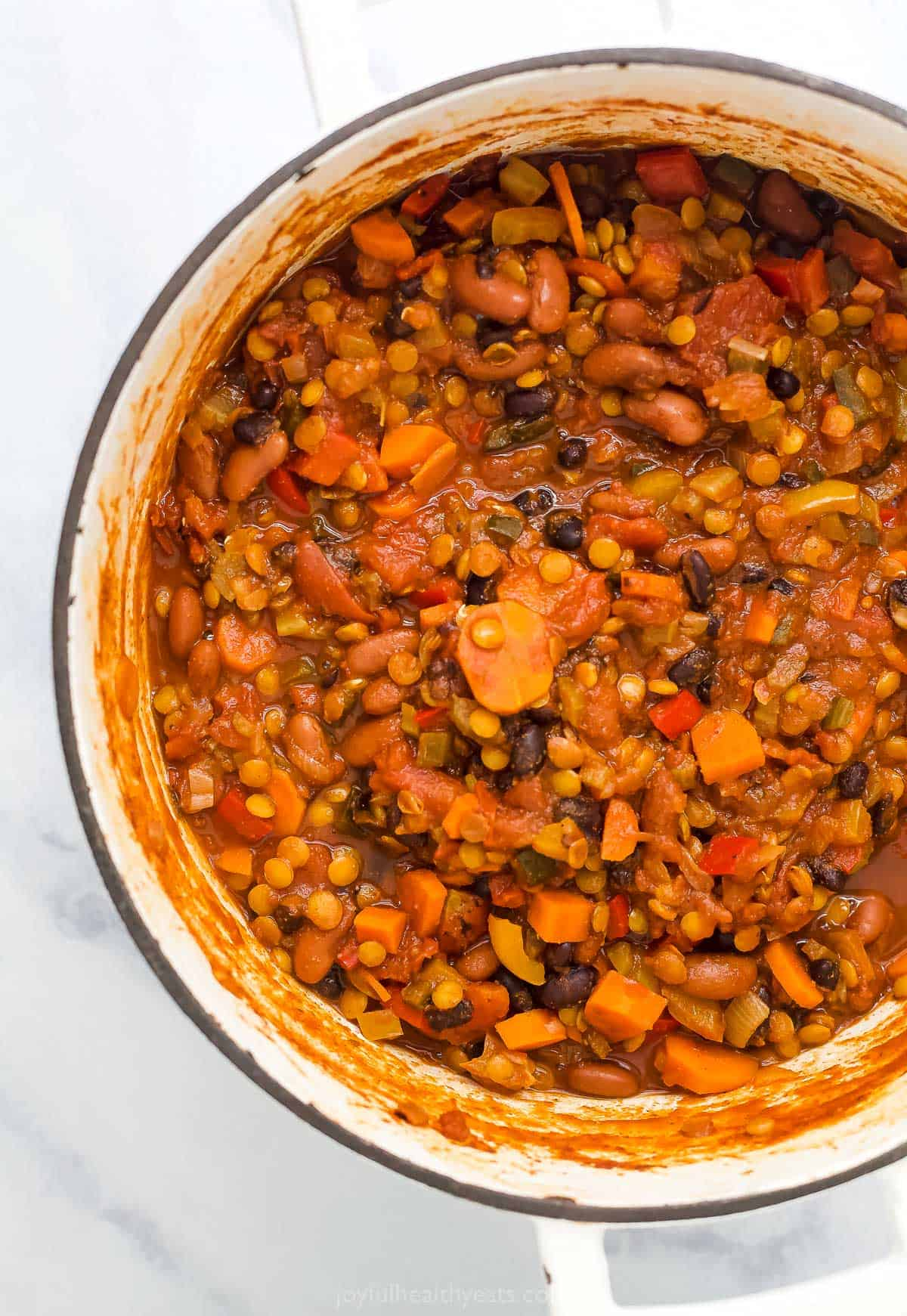 vegetarian lentil chili in dutch oven