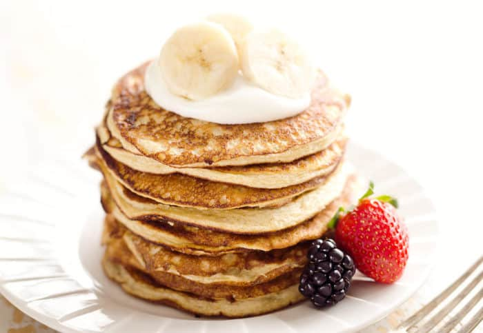 light-fluffy-banana-protein-pancakes-6