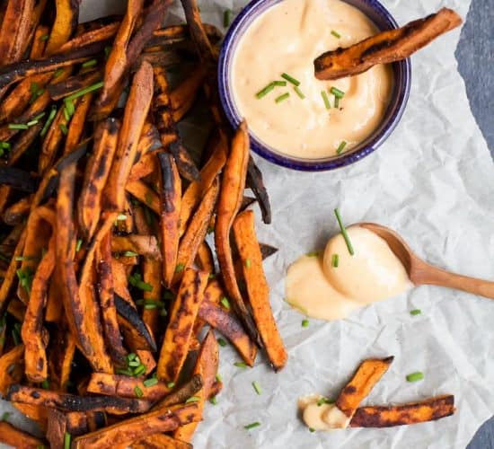 Crispy BAKED Chipotle Sweet Potato Fries - these babies are gonna be your new favorite healthy dinner side. Paired with a Honey Sriracha Aioli that you'll want to slather on everything! | joyfulhealthyeats.com