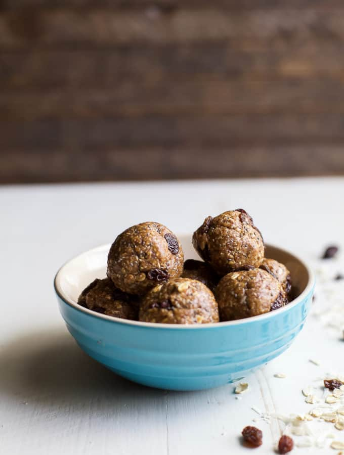 15 Minute No Bake Oatmeal Cookie Energy Bites, an easy healthy snack or on-the-go breakfast option! Filled with hearty oats, maple syrup, and sweet raisins, these energy bites taste just like an Oatmeal Cookie! | joyfulhealthyeats.com